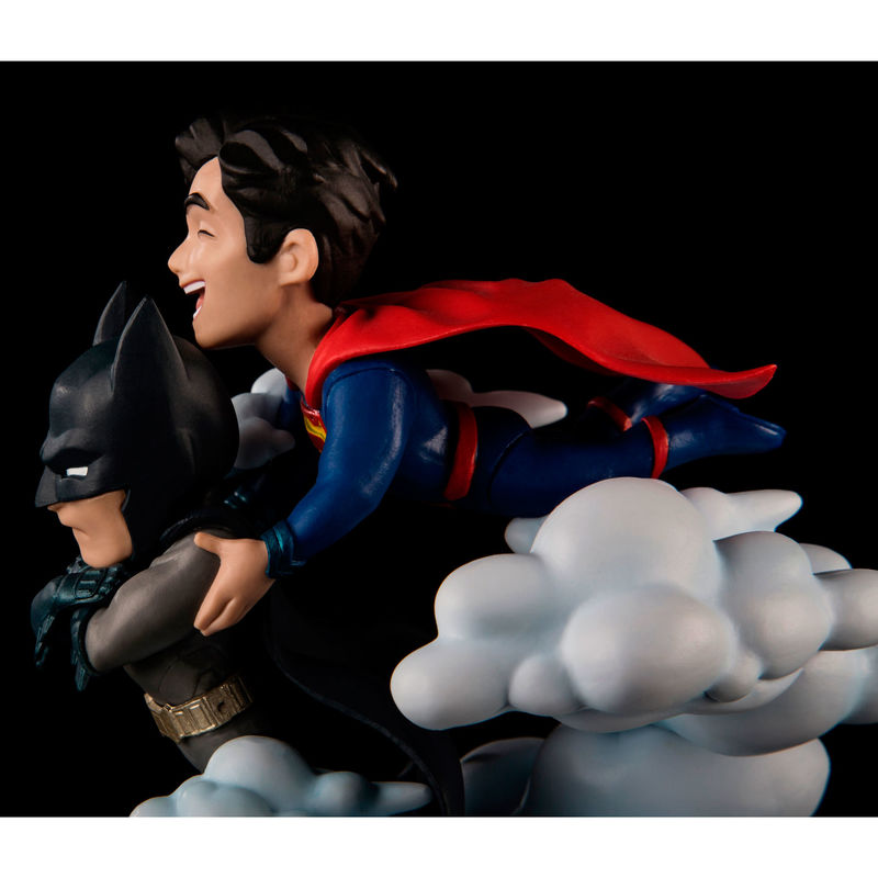 Figura Superman vs Batman DC Comics 13cm