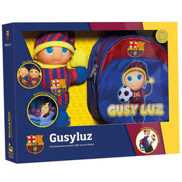 Gusy Luz FC Barcelona and backpack